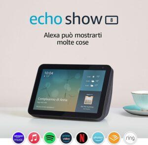 Amazon Echo Show 8 (1ª generazione, modello 2019) a 64,99 euro invece di 109,99